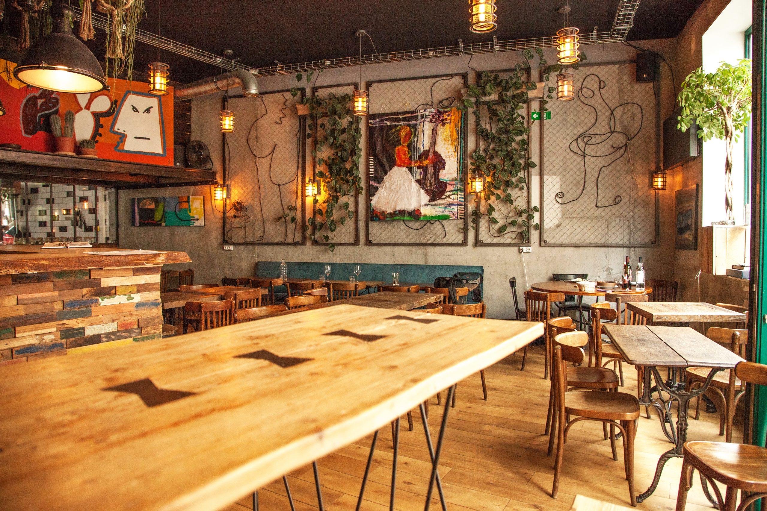 Salle restaurant géorgien, colchide - rue des Martyrs